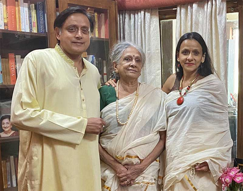 tharoor with family